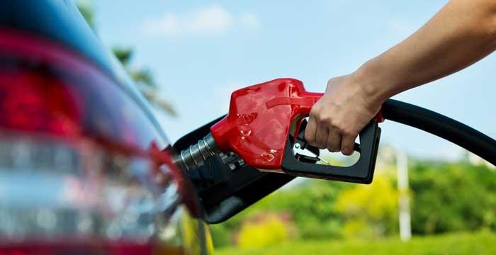 Suben los precios de la gasolina y el diésel ante la Operación Salida 2014