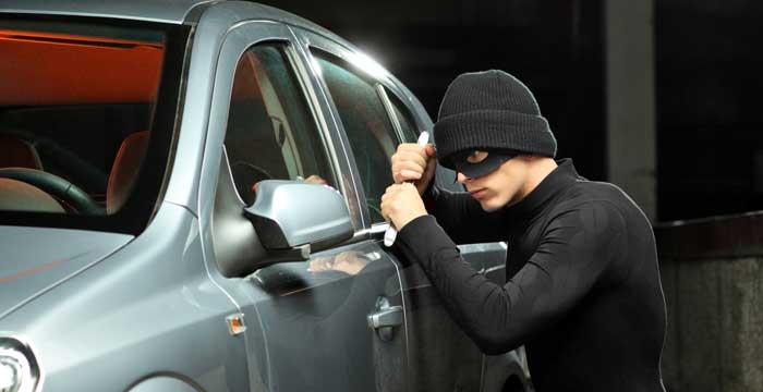 El verano es la época del año en la que se registran un mayor número de robos de coches