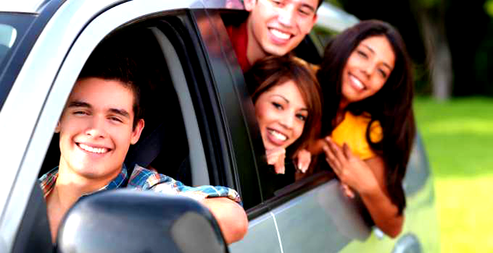 Compartir coche y gastos, la nueva forma barata y fácil de viajar en coche