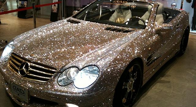 Mercedes SL 600 cubierto por diamantes