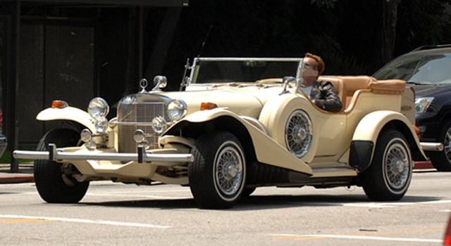 Arnold Schwarzenegger tiene un Mercedes Excalibur vintage