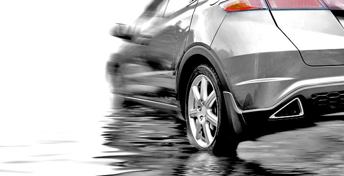 ¿Qué es y cómo conducir ante el aquaplaning?