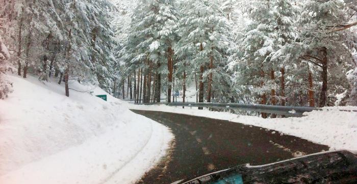 ¿Cómo conducir con nieve?