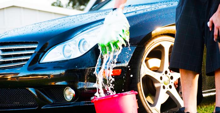 Los 5 trucos más smart para dejar tu coche más limpio que un San Luis