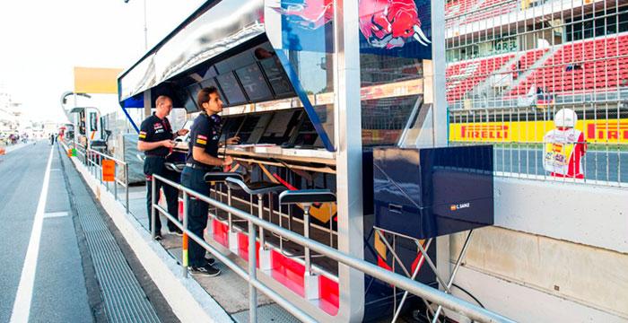 El muro de Toro Rosso, donde la telemetría es la reina del baile, Drive Smart utiliza la telemetría para ayudarte a ser mejor conductor