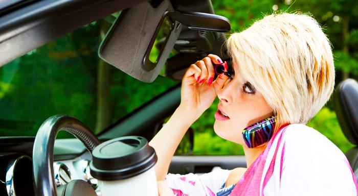 Las 5 cosas que nunca debes decirte a tu mujer mientras conduce
