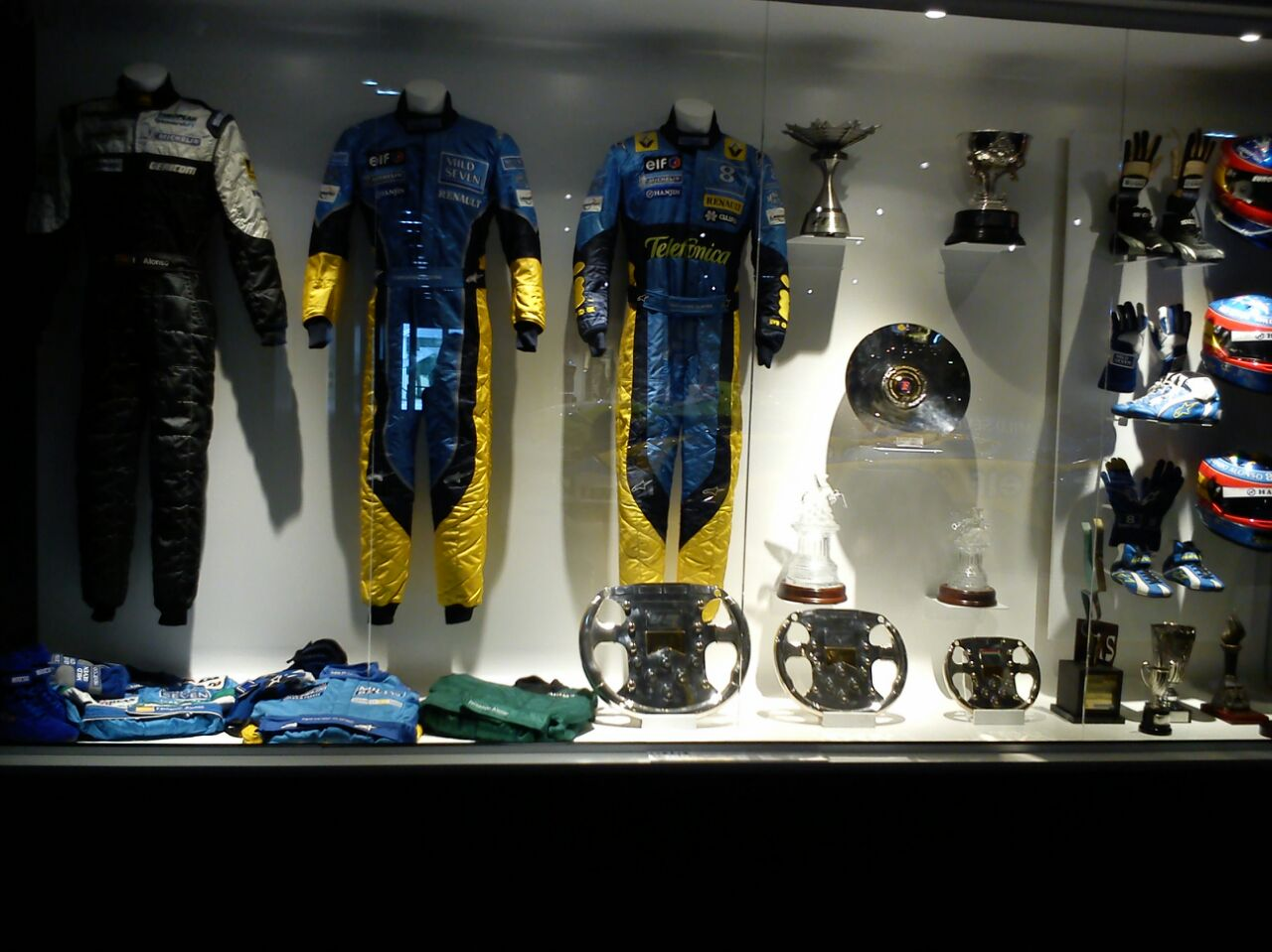 Monos y equipación de Fernando Alonso