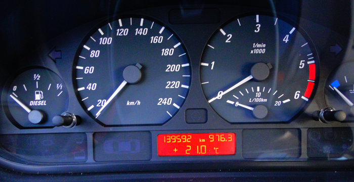 Cuentakilómetros de un BMW 320d