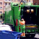 ¿Me pueden multar si adelanto en ciudad al camión de la basura?