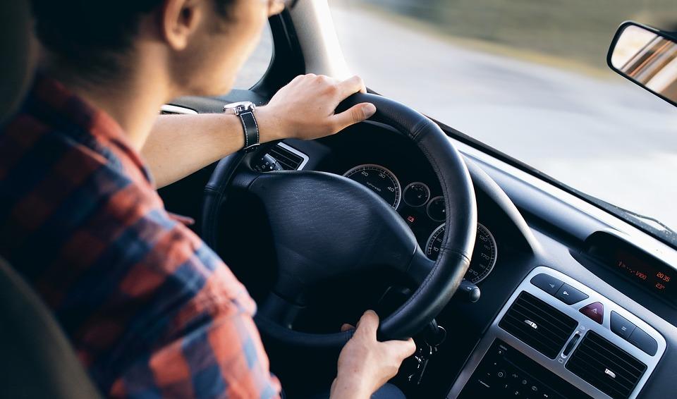 Cosas imprescindicles que llevar en un coche