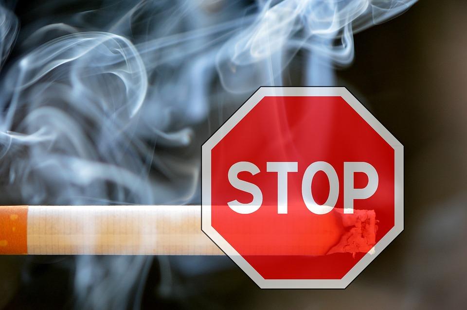Razones para no fumar en coche