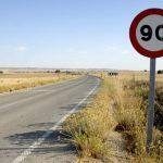 ¿Se puede superar el límite de velocidad para adelantar?