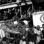 Champagne and motor. The unusual origin of a tradition