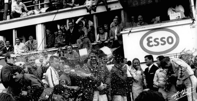 Champange and motor. The unusual origin of tradition