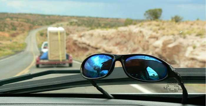 Las gafas de sol, el complemento imprescindible para conducir en verano